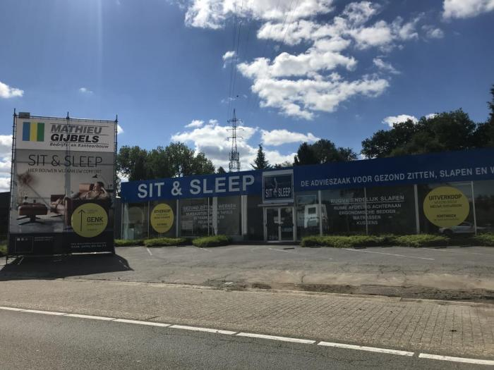 sit_and_sleep_-_mathieu_gijbels_-_totem_-_persbericht.jpg