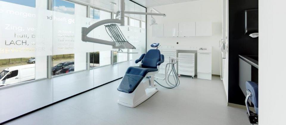 tandartsenpraktijk benedenti in Herentals gebouw door de voordenkers van Mathieu Gijbels
