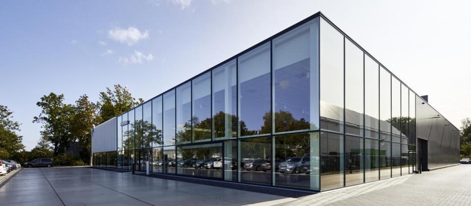 Volvo Postiaux, garage, Mathieu Gijbels, Oudsbergen, Schoten, garagebouw, nieuwbouw, garagebedrijf, brecht