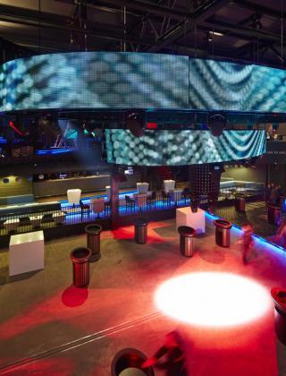 discotheek versuz hasselt feest nieuwouw bouwbedrijf mathieu gijbels oudsbergen limburg