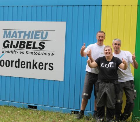 Mathieu Gijbels afscheids LetsCo stagiaires Femke en magazijnploeg