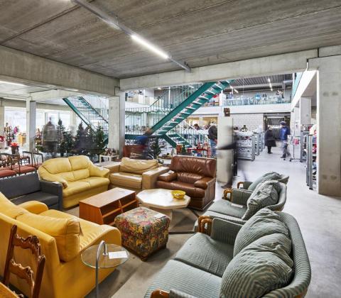 nieuwbouw SPIT Heverlee Kringloopwinkel gebouwd door Mathieu Gijbels interieur