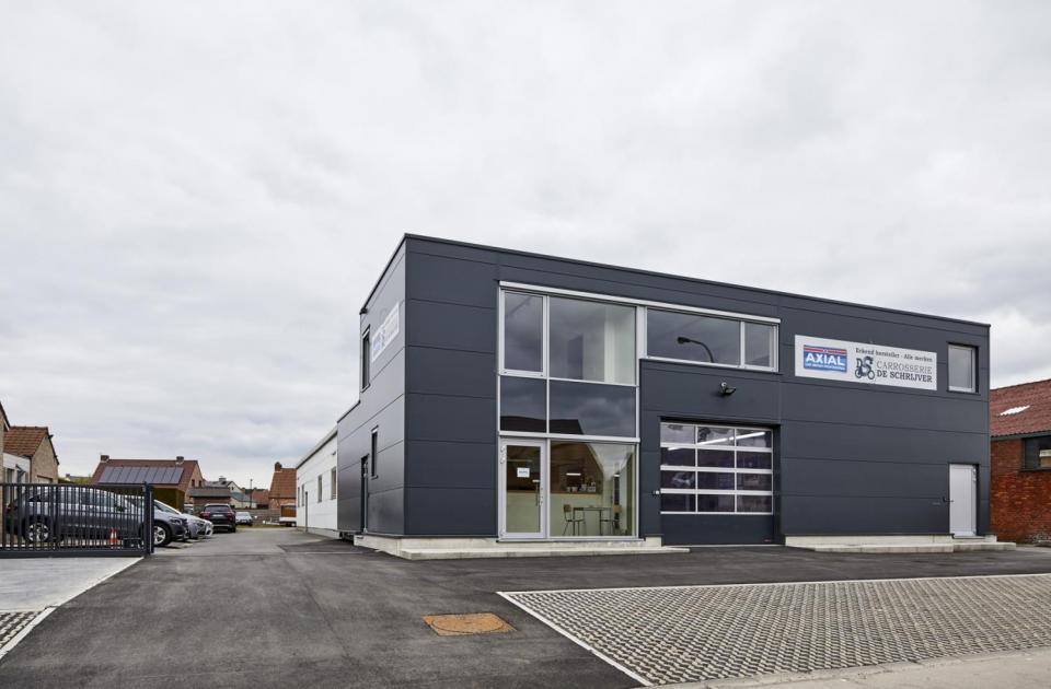 carrosserie bedrijf de schrijver ursel auto renovatie uitbreiding gebouw bouwbedrijf mathieu gijbels limburg oudsbergen