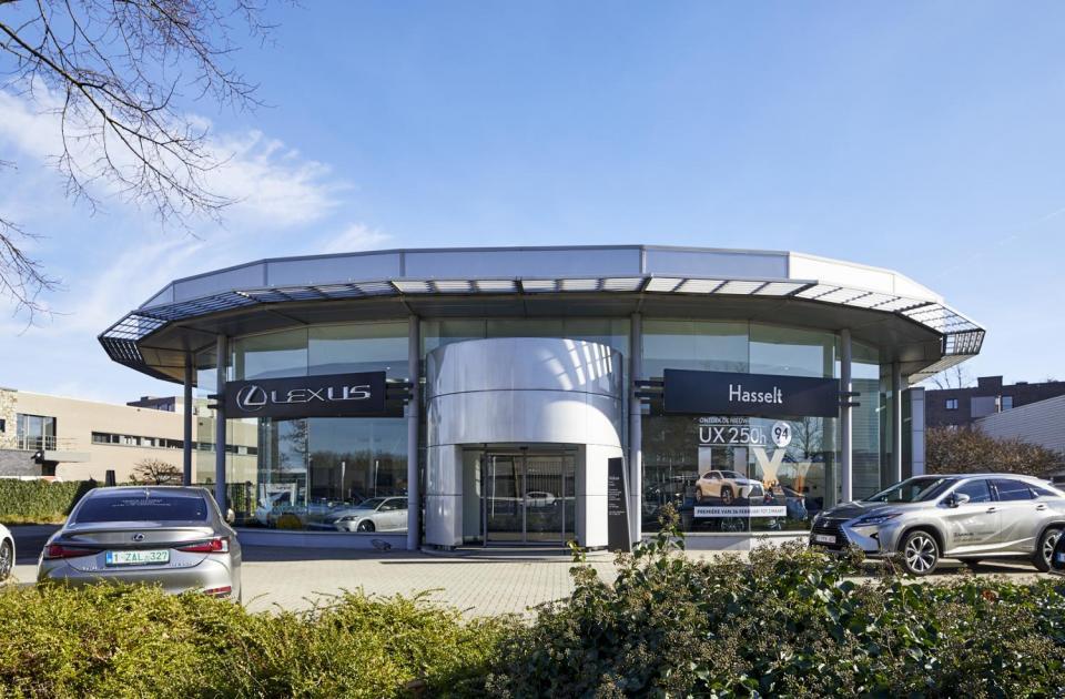 garage lexus hasselt renovatie garagebouw utibreiding bouwbedrijf mathieu gijbels limburg