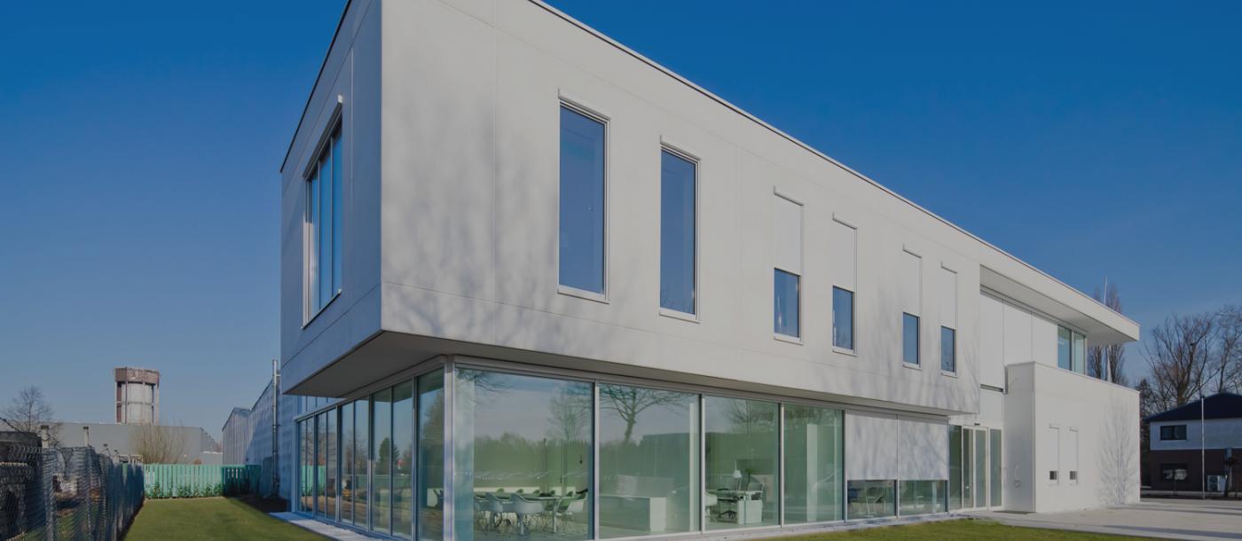 Prefamac vernieuwd gebouw Mathieu Gijbels