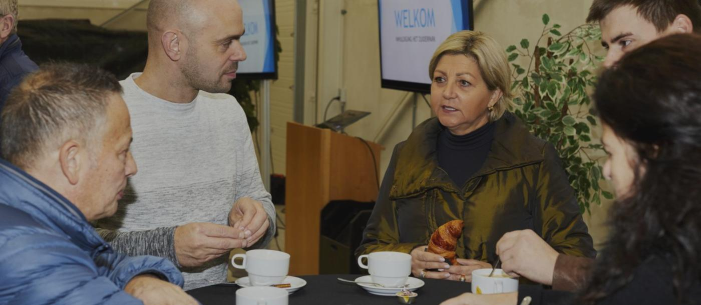 """Mathieu Gijbels laat ondernemers verzamelen op het """"Zuiderpark"""" in Genk"""