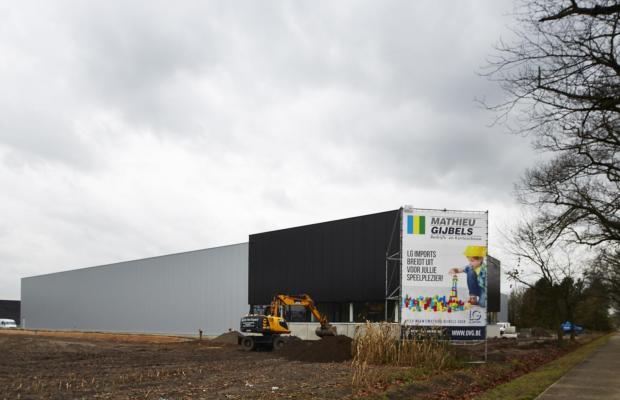 LG Imports te Beerse. Een project van Mathieu Gijbels en Orens - Van Grimbergen Architecten
